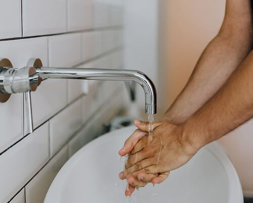adult-water-clean-hands